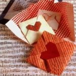 #DIY Gifts & Giveaways: Origami-Heart Notes